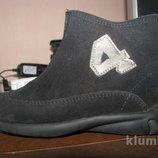 Замшевые ботинки, стелька 17 см. Отл. состояние.
