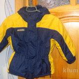Демісезонна куртка Columbia на 4-6 років