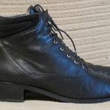 Изысканные черные кожаные ботиночки Baily. Сша - Швейцария.. 41 1/2.