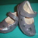 Фирменные Clarks кожаные туфли 22 р девочке