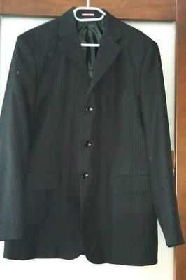 Мужской пиджак р.52 Цвет - черный в тонкую полоску.