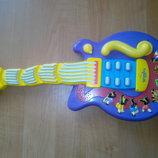 Музыкальная гитара The Wiggles Wiggling Dancing Guitar