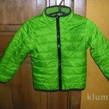 Новенькие оранжевая и салатовая легкие деми куртки рост 98-104 и 116-122