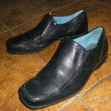 Школьные кожаные туфли 33-34 р. и замшевые осенние ботинки 38 р. 25 см