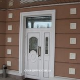 Двери входные с витражом