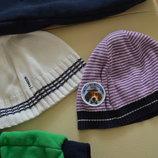 Тонюсенькие демисезонные шапочки Chicco на 2-4 годика.