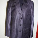 Деловой, строгий костюм, размер 42. Чехия
