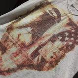 Kenny S. Лонгслив, футболка с рукавом 3/4 и принтом в коричневых тонах. Есть Нюанс