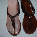 Кожаные сандали NOIZ. Made in Italy р. 36 по стельке 23,5 см