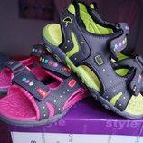 Босоножки, сандалии Ароматизированные для девочки, новые, 31,32 размер