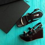 Босоножки на танкетке кожа цвет шоколадный Calvin Klein Collection р.36 и 39