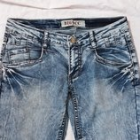 Облегающие голубые джинсы скинни Bigocc, идут в обтяжку. Разм. М 28-29 . Талия заниженная. Отличное
