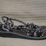 Оригинальные открытые сандалики . La Marine sandals. Франция. 37р