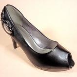 Летние туфли Vivahc с открытым носком на каблуке. Размеры 35-40.