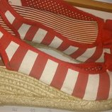 стильні червоні босоніжки полоска р38