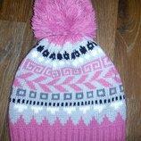 Продам шапку зимнюю для девочки б/у недорого