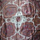 платок из атласа,размер 89х90см.