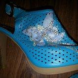 Голубые босоножки