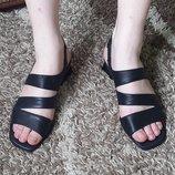 Кожаные сандалии босоножки Dungelmann 37 р. на худую ножку