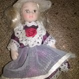 Коллекционная маленькая фарфоровая куколка,кукла игрушка кукле