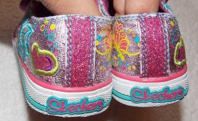 Светящиеся блестящие кеды-кроссовки Skechers на девочку - 24 размера, 15 см  стелька. Previous Next 3a3742e7fb7