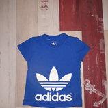 Стильная футболка Adidas на 1-3 года