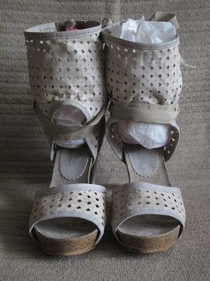 Шикарные кожаные босоножки из комбинированной натуральной кожи Dkode.  Португалия. 39 р. 213ff8cab1c