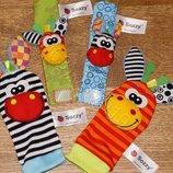 Развивающие игрушки погремушки Sozzi браслеты и носочки набор