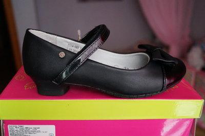 Туфли для девочки новые чёрные размеры 31,32,33,34,35