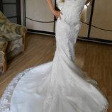 Свадебное платье нежное со шлейфом. Новое.
