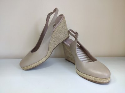 Босоножки женские кожаные бежевые Clarks размер 40, UK8