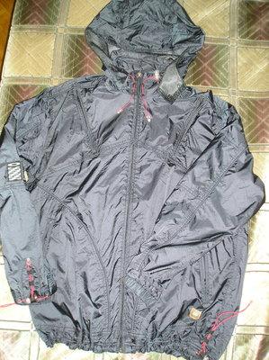 отличная куртка -ветровка software L-XL