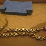 Подарок. Красивый женский браслет под золото с камнями. Сложная застежка. AVON