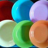 Пластиковые тарелки, стаканы, чашки