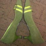 Зеленые туфли под нубук