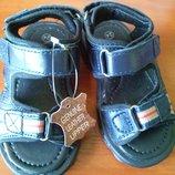 Продам кожаные босоножки на мальчика английского бренда Norvic, р. 24