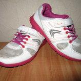 Стелька 17,5см Модные кроссовки Clarks девочке