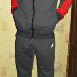Спортивный костюм Nike трикотажный с эмблемой сзади. Весна - лето.
