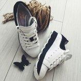 Стильные натуральные кросовки