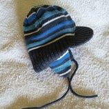 Зимняя шапка на флисе Matalan на 2-3 года на завязках с козырьком, теплая, двухслойная. Отличное с.