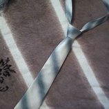 Краватка в сріблястих кольорах. Галстук серебристый.