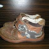 кожаные кроссовки Clarcs р.7,5 стелька 15,5см