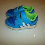 Кроссовки Adidas, р 23, стелька 14,3 см, сделаны в Индии,