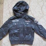 Куртка коженная на мальчика р.104