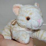 Удивительно нежный и красивый мягкий плюшевый кот кошечка