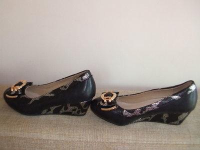 Распродажа Красивые Туфли На Танкетке С Декором