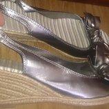стильні срібні босоніжки р40 M&S