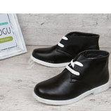 Ботинки Польша женские черные на белой подошве на шнуровке Bristol