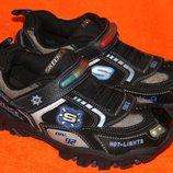 Кроссовки с мигалками Skechers р.35 стелька 22,5 см
