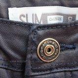 В наличии С лазерным напылением Классные джинсы скинни Okaidi Италия